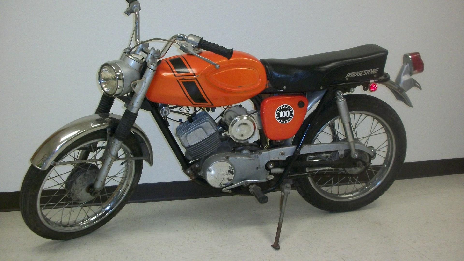 builders stock  1971 bridgestone gp100 motorcycle  sold