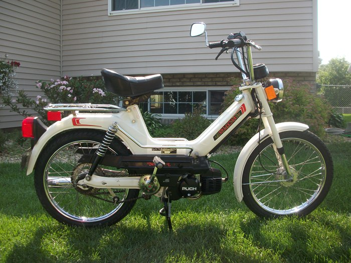 Reconditioned* 1978 White Puch Newport L (Sold) | Sunday Morning MotorsSunday Morning Motors