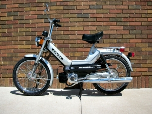 1978 Silver Puch Maxiluxe_b